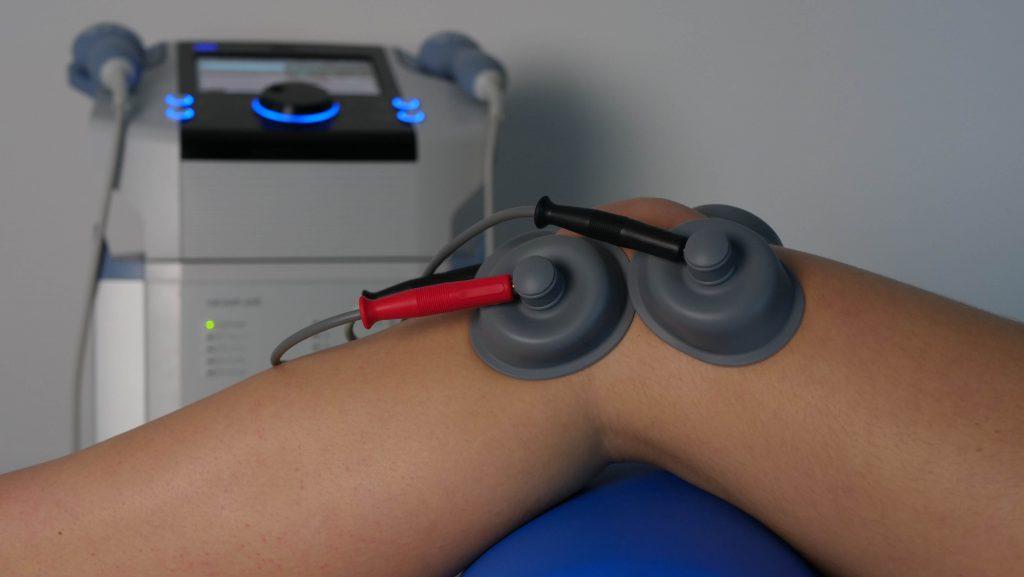 elektroliečba kolena